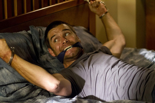 Antony Starr Hintergrund entitled Antony Starr as Lucas haube in 'Banshee'