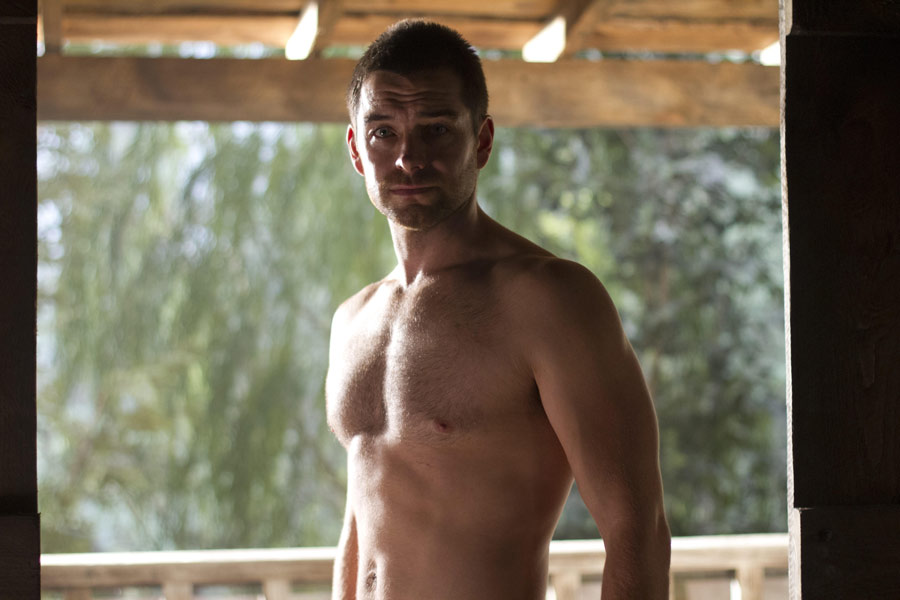Antony Starr as Lucas 兜帽, 罩, 发动机罩 in 'Banshee'