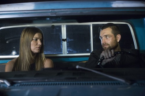 Antony Starr fond d'écran probably containing an automobile entitled Antony Starr as Lucas capuche, hotte in 'Banshee'