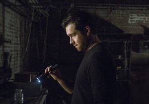 Antony Starr as Lucas capuche, hotte in 'Banshee'