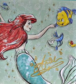 Walt Disney images - Princess Ariel & patauger, plie grise