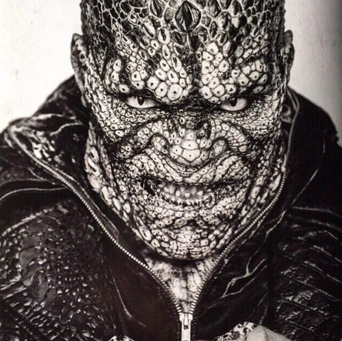 Suicide Squad দেওয়ালপত্র called Black and White Portrait - Killer Croc