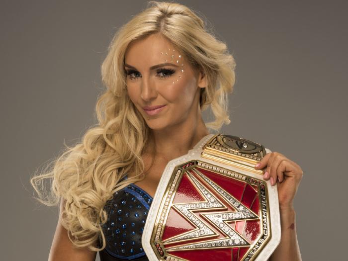 NOTICIAS WWE PERU: Grandes planes para Charlotte Flair y
