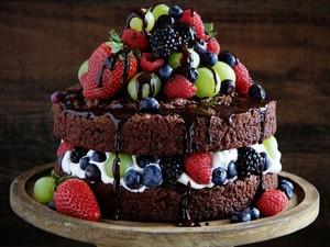 chocolate frutas Cake