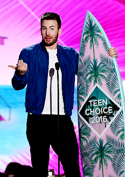 Chris Evans accepts the award for Choice Movie Actor onstage during Teen Choice Awards 2016 at The F