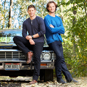 Exclusive mga litrato of the Supernatural Cast | Jensen and Jared