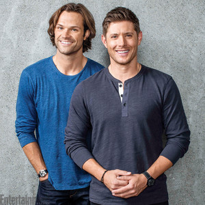 Exclusive Photos of the Supernatural Cast | Jensen and Jared