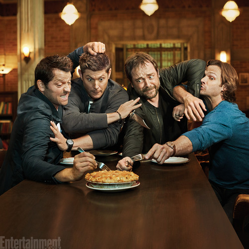 Supernatural wallpaper containing a dinner table, a holiday dinner, and a brasserie entitled Exclusive Photos of the Supernatural Cast | Misha, Jensen, Mark, and Jared