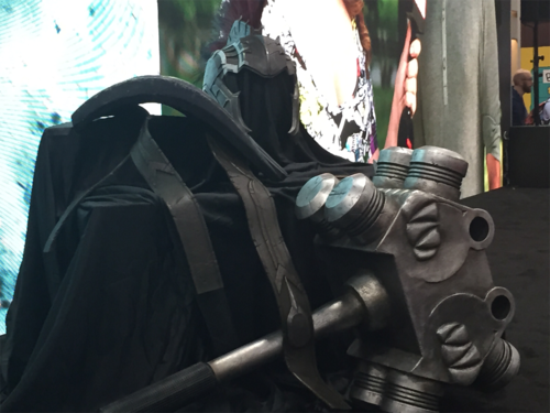 Thor: Ragnarok wallpaper possibly containing a jalan, street titled Hulk Gladiator Armor - SDCC 2016