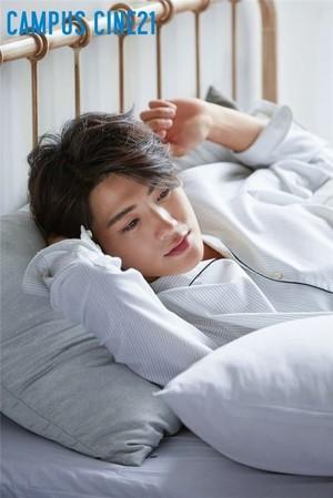 Hyungsik gets cozy in PJs for 'Campus Cine21'