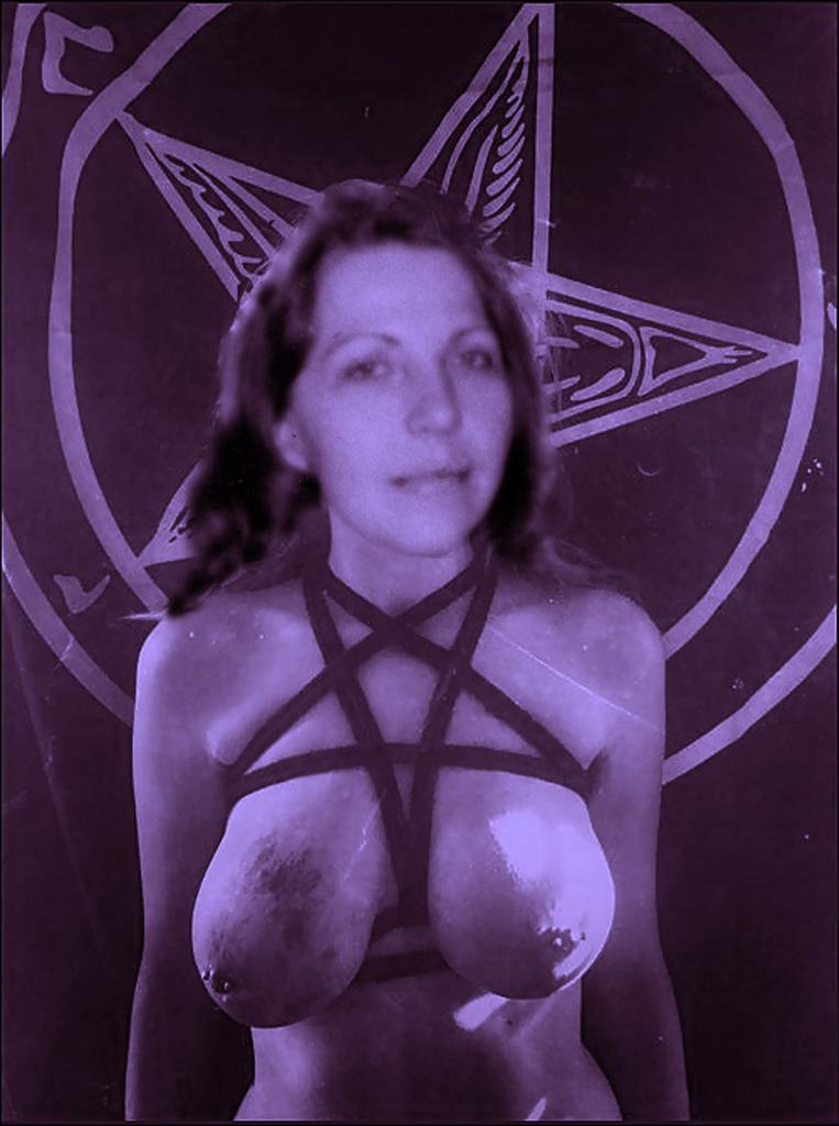 Ilaria satanic lady