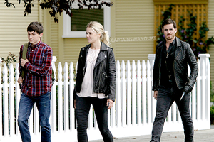 Jennifer and Colin on set Wednesday Steveston filming, August 3rd