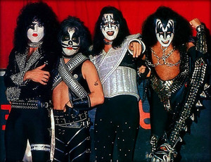 KISS ~Kitchener, Ontario, Canada…July 16, 1977
