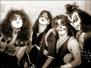 KISS ~Nashville, Tennessee…October 30, 1975