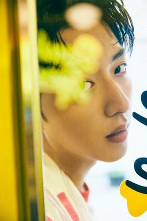 LEE JUNG SHIN FOR AUGUST ELLE