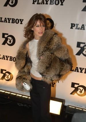 Lara 2003