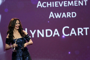 Lynda Carter (2016)
