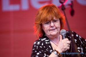 Maggie Reilly (2015)