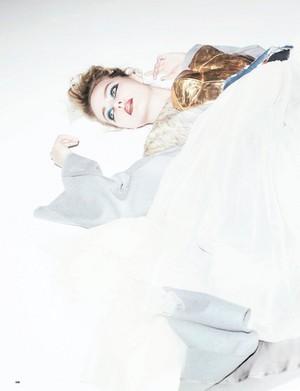 Margot Robbie - pag-ibig Magazine Photoshoot - Fall/Winter 2016