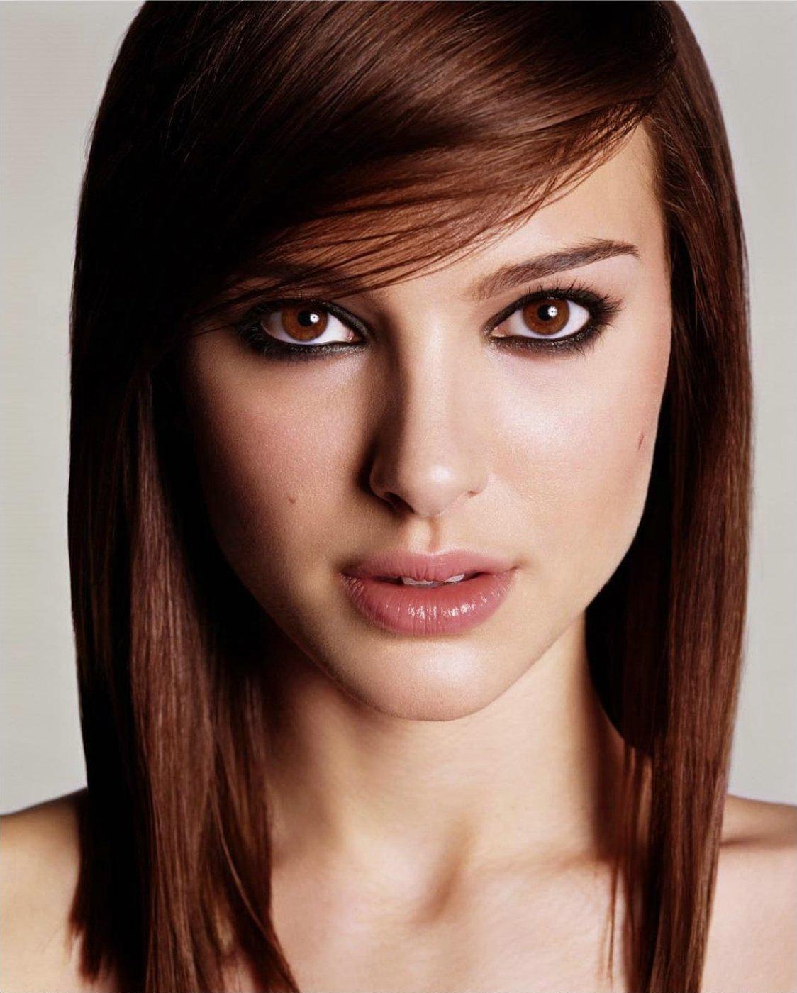 Natalie Portman straight hair