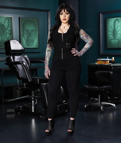 Ink Master wallpaper with a business suit and a well dressed person called Nikki Simpson | Ink Master: Peck vs Nuñez