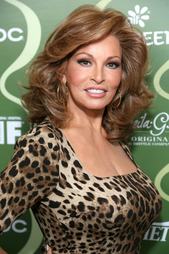 Raquel Welch wallpaper with a portrait called Raquel Welch 2015