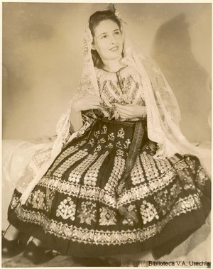 Romanian women traditional clothing dress