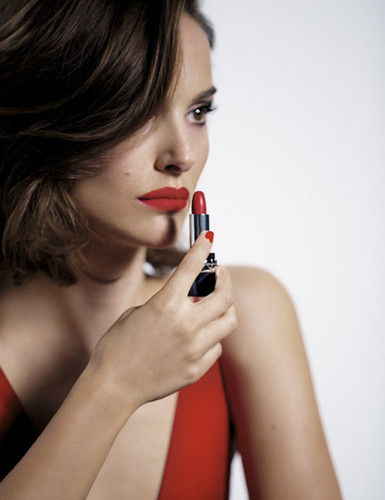 Natalie Portman wallpaper titled Rouge Dior (2016)
