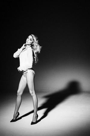 Sarah Hyland - Galore Magazine Photoshoot - 2015