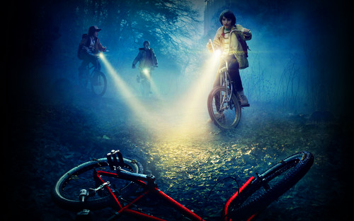 Stranger Things karatasi la kupamba ukuta with a bicycling, a cycling, and a mountain bike entitled Stranger Things karatasi la kupamba ukuta