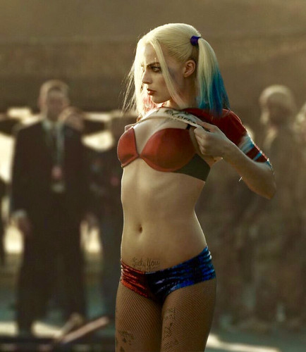 Suicide Squad Hintergrund probably containing a bikini called Suicide Squad Still - Harley Quinn