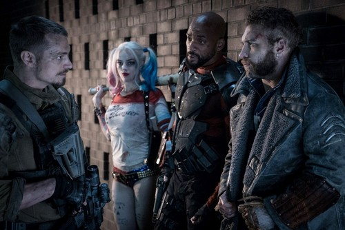 Suicide Squad achtergrond containing a green beret, baret and a navy zeehond, seal titled Suicide Squad Still - Rick Flag, Harley Quinn, Deadshot and Captain Boomerang