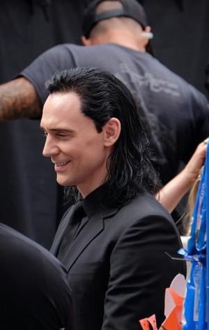 Tom filming Thor: Ragnarok