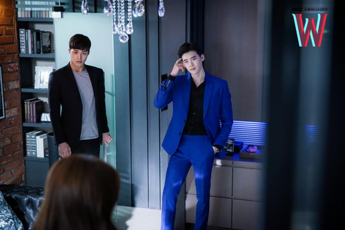 Drama Korea kertas dinding containing a business suit and a well dressed person called W - Two Worlds