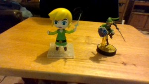 Wind's Collectables: Young Link Nendoroid and Link Amiibo