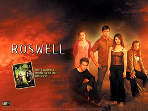 roswell kertas dinding