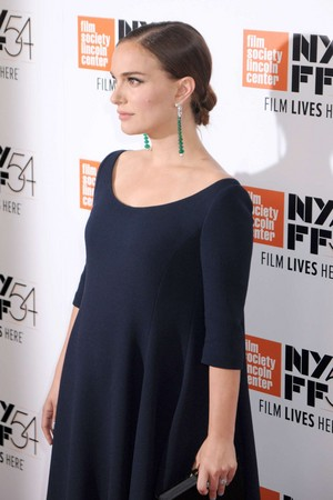 Attending the 54th New York Film Festival 'Jackie' screening at the リンカーン Center, New York Ci