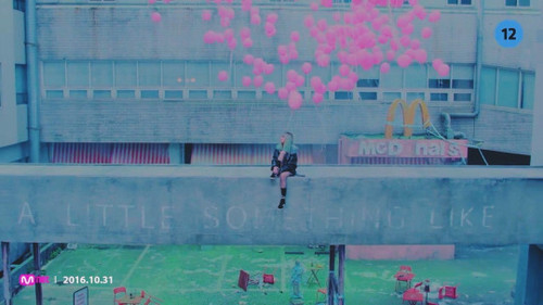 Black गुलाबी वॉलपेपर with a sign entitled ♥ BLACKPINK - Stay MV ♥