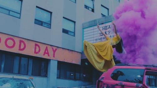 Black 粉, 粉色 壁纸 containing a 街, 街道 called ♥ BLACKPINK - Stay MV ♥