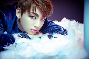 BTS drops concept các bức ảnh of Rap Monster and Jungkook for 'Wings' comeback