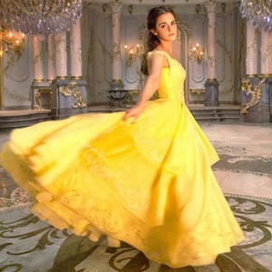 Beauty and the Beast Fotos from EW