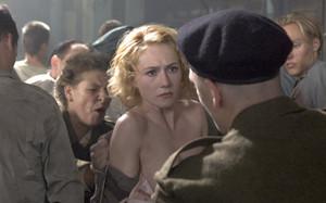 Carice van Houten as Ellis de Vries