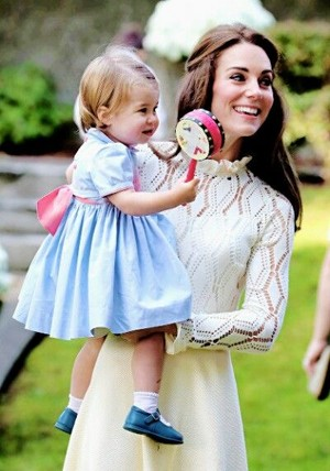 Catherine Duchess of Cambridge and Princess 샬럿, 샬 롯 of Cambridge