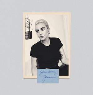 Digital Booklet - Joanne (Deluxe)