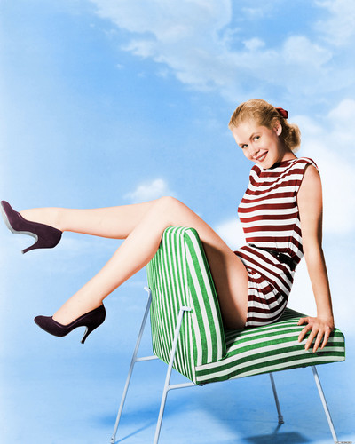 Elizabeth Montgomery wallpaper possibly with tights titled Elizabeth Montgomery Colourized