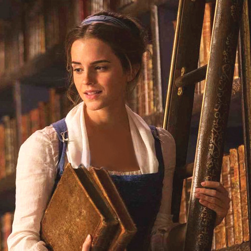 Beauty and the Beast (2017) پیپر وال entitled Emma Watson as Belle