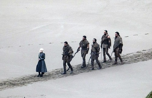 왕좌의 게임 바탕화면 probably containing a green beret, a navy seal, and a 라이플 총병, 라이플 맨, 라이플 총 병 entitled Game of Thrones- Season 7- Filming