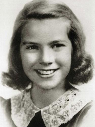 célébrités mortes jeunes fond d'écran with a portrait titled Grace Patricia Kelly (November 12, 1929 – September 14, 1982)
