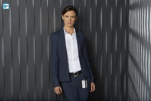 Juliette Lewis as Detective Andrea Cornell in Secrets and Lies