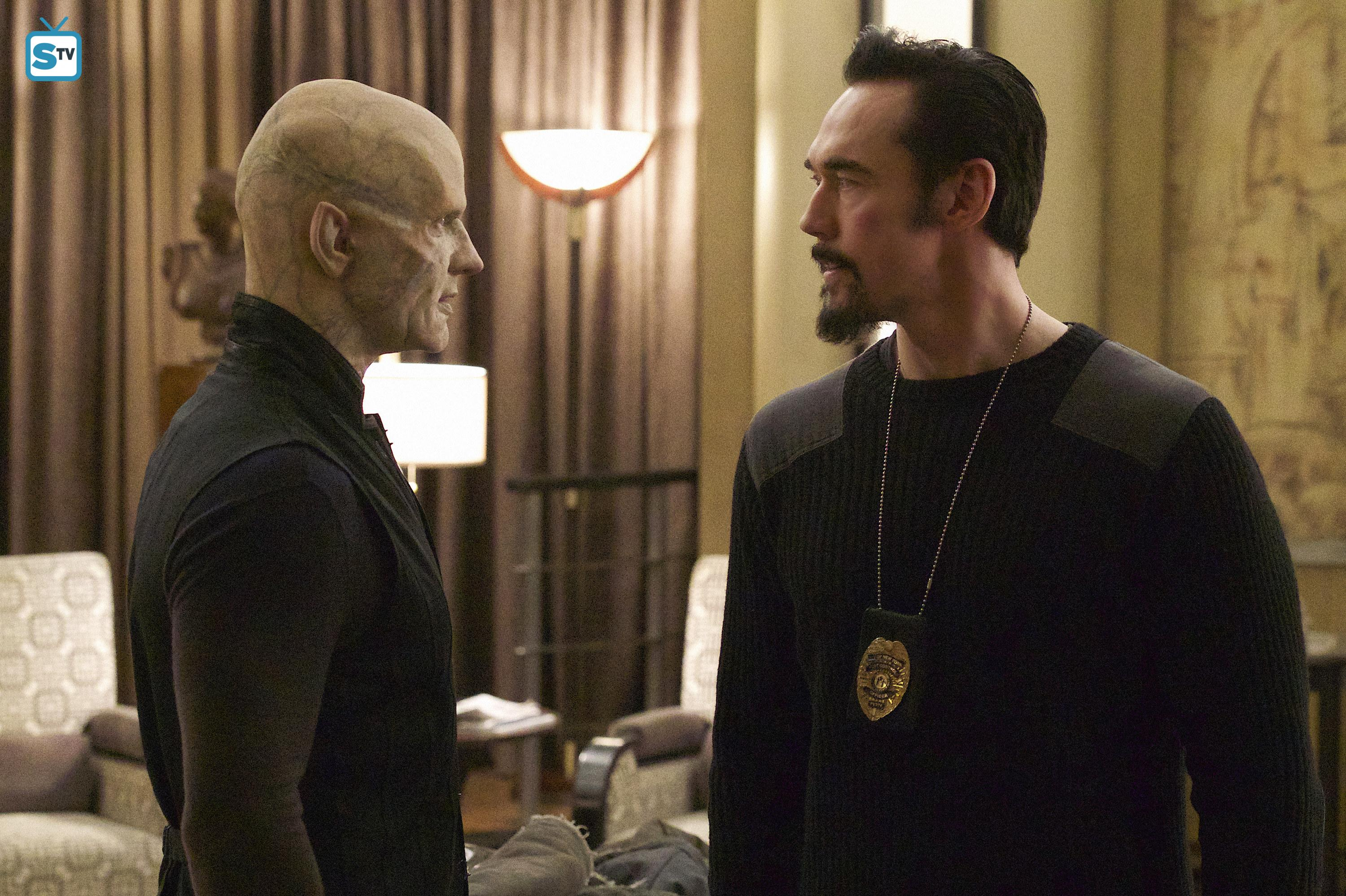 Kevin Durand as Vasiliy Fet in The Strain - 3x01 - New York Strong